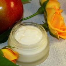 Питательный, омолаживающий крем для области глаз «Роза и яблоко»