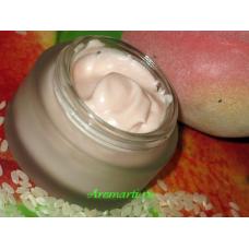 Увлажняющий крем с абрикосовым ароматом