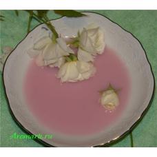 Розово-клубничное средство для принятия ванны